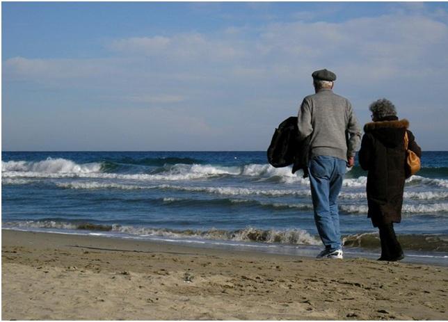 Anziani in spiaggia